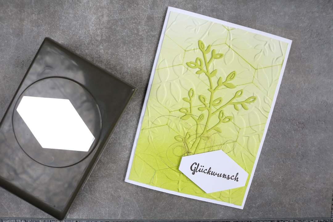 BlogHop Stanzen und Prägen Glückwunschkarte 3