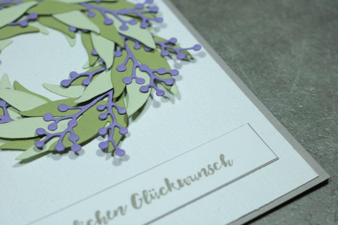 Glückwunschkarte mit Blätterkranz 4