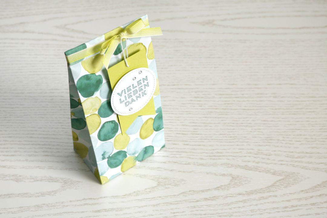 Schauwandgestaltung Verpackung Geschenktüte